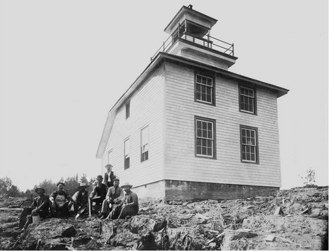 1907 McKay Island Lighthouse with its builders