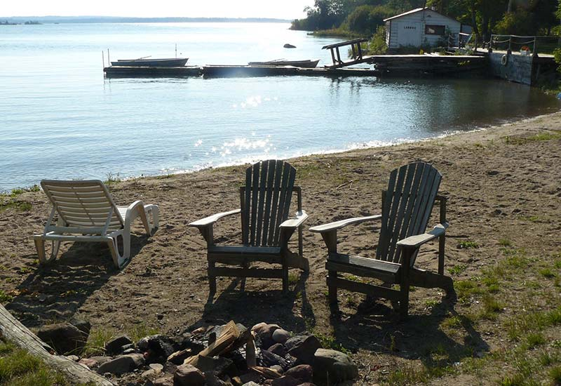 bruce-bay-cottage-3-feature