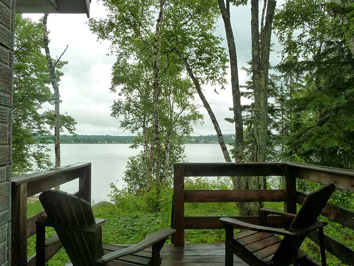 cottage-2-lakeview-deck