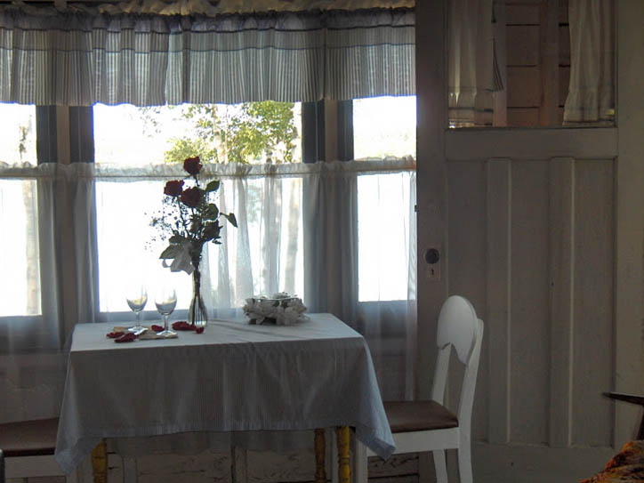 cottage-2-table