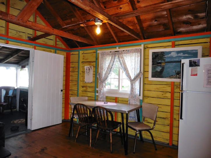 cottage-3-dining-room