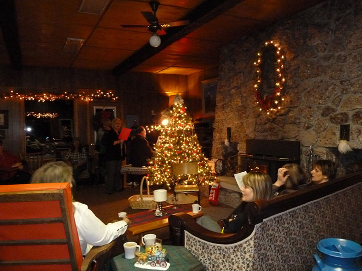lighthouse-lounge-christmas