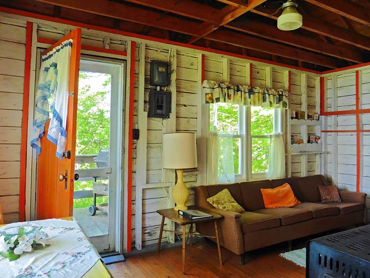 cottage-2-living