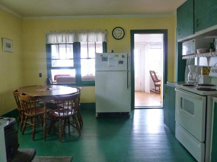 cottage-8-dining-room