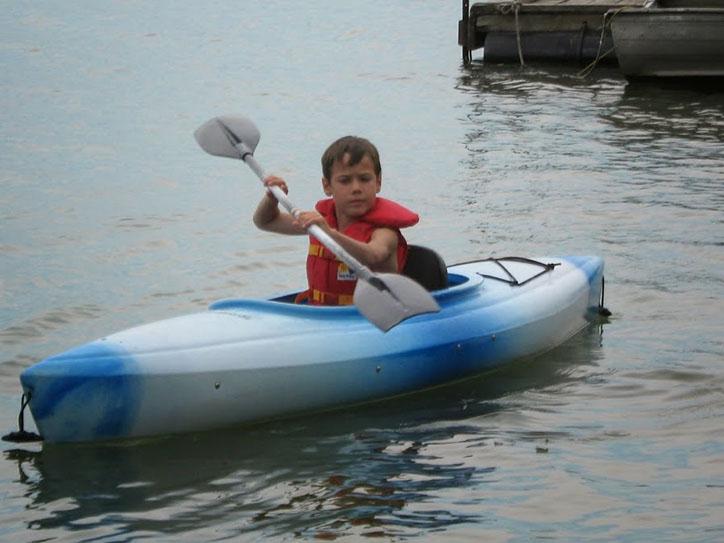 guest-kayaking