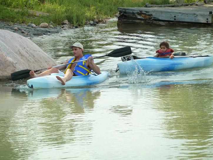 kayaking-near-shore