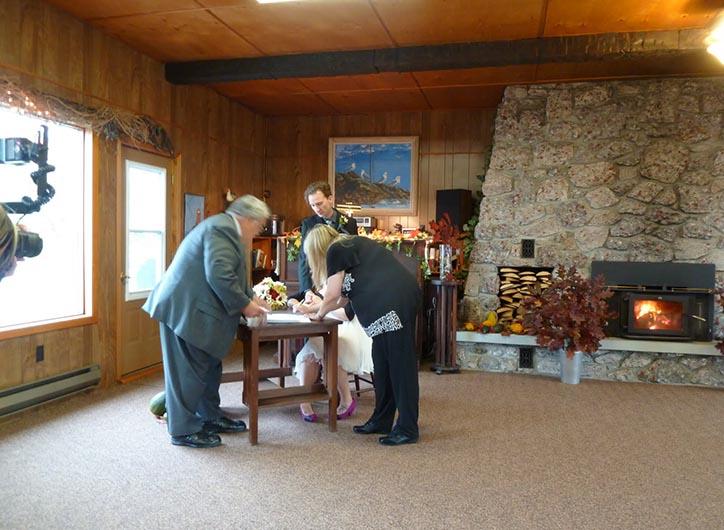 lounge-elope-ceremony